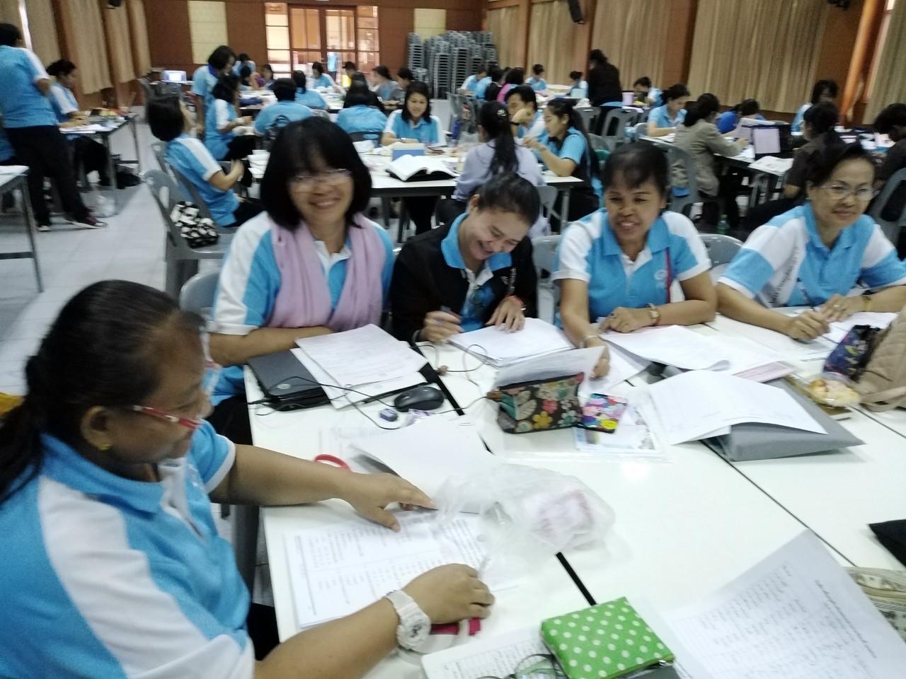 คณะครูร่วมสร้างและวิเคราะห์แบบทดสอบ ภาคเรียนที่ 2/2562