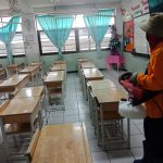 โรงเรียนพระแม่สกลสงเคราะห์ได้ฉีดพ่นน้ำยาฆ่าเชื้อในห้องเรียน ห้องน้ำ ห้องพักครู ห้องปฏิบัติงานต่างๆ